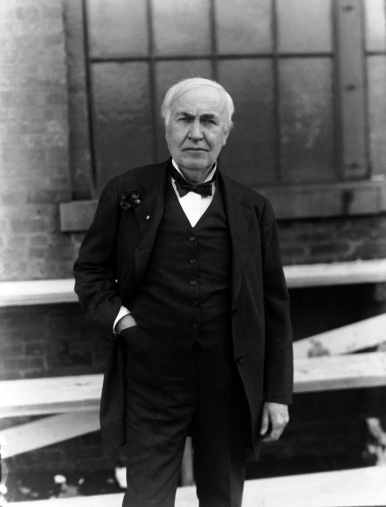 tomas edison To oct 18, 1931 almost entirely self-educated, thomas alva edison began experimenting in the cellar of his family home around the age of 10.