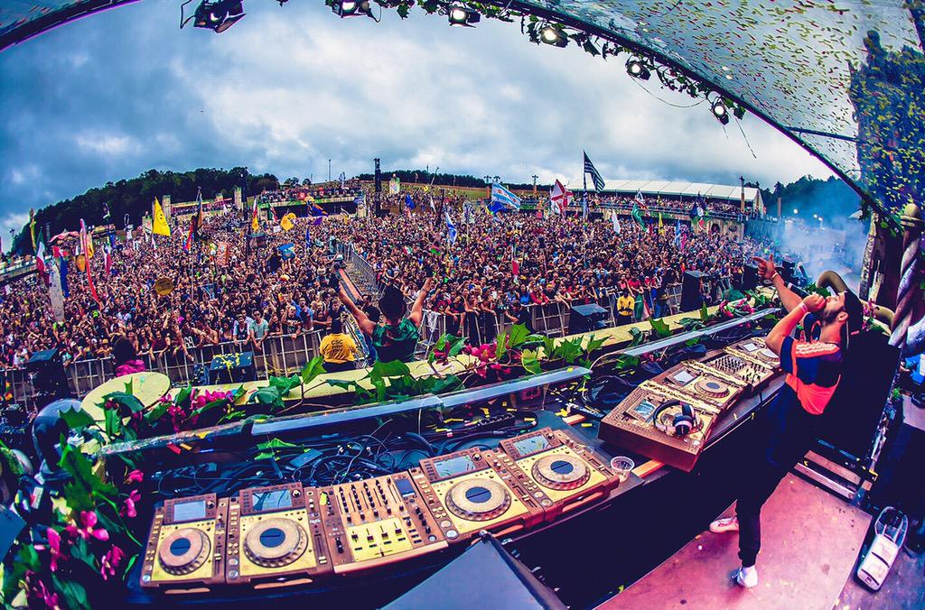 @TomorrowWorld was a huge success with @Borgore #wolfpack http://t.co/hAD3MbaA9U