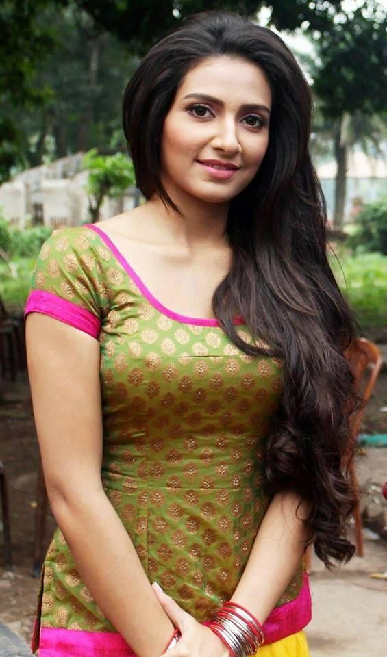 Bengali babe ananya with boyfriend - 5 6