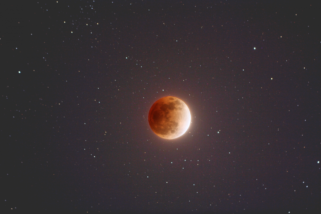 Watch #SuperBloodMoon thriller live on NASA TV Starts at 8pm ET: http://t.co/J8XABA28lO http://t.co/lRgSAnlyjT