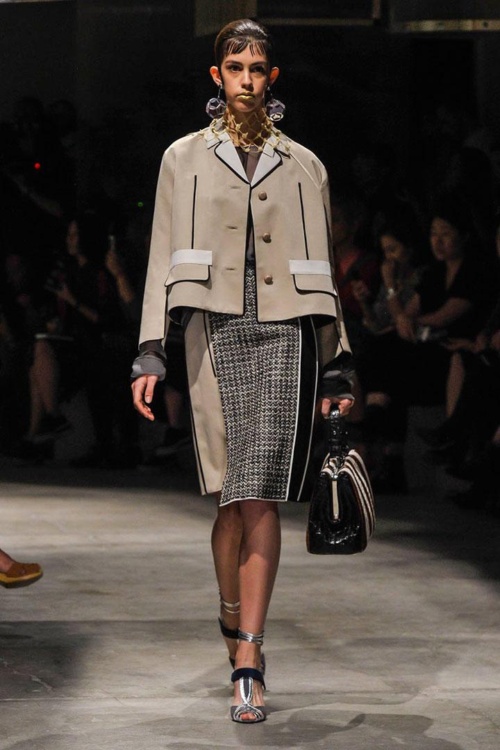 2d8cb49148 Sobre la española que abrió Prada y el triunfo de las modelos perfectamente  imperfectas http: