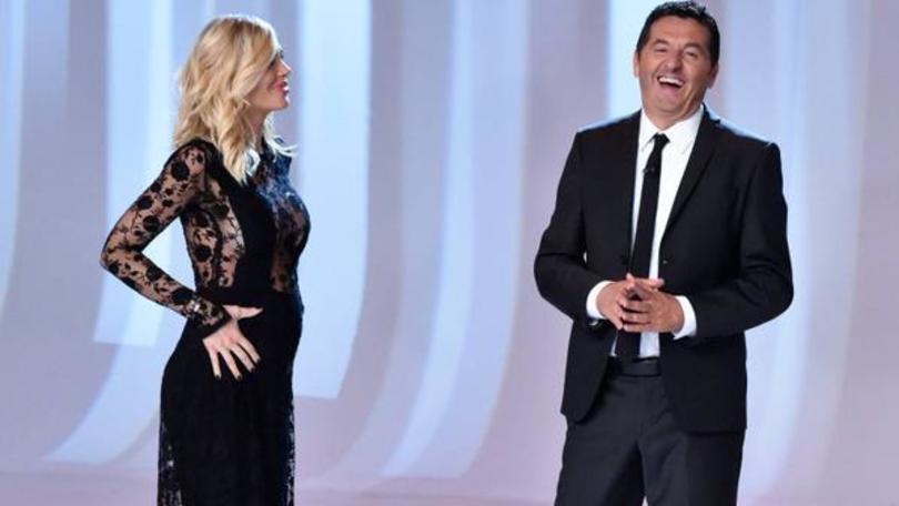 Ilary Balsi annuncia in diretta a Le Iene l'arrivo del terzo figlio.