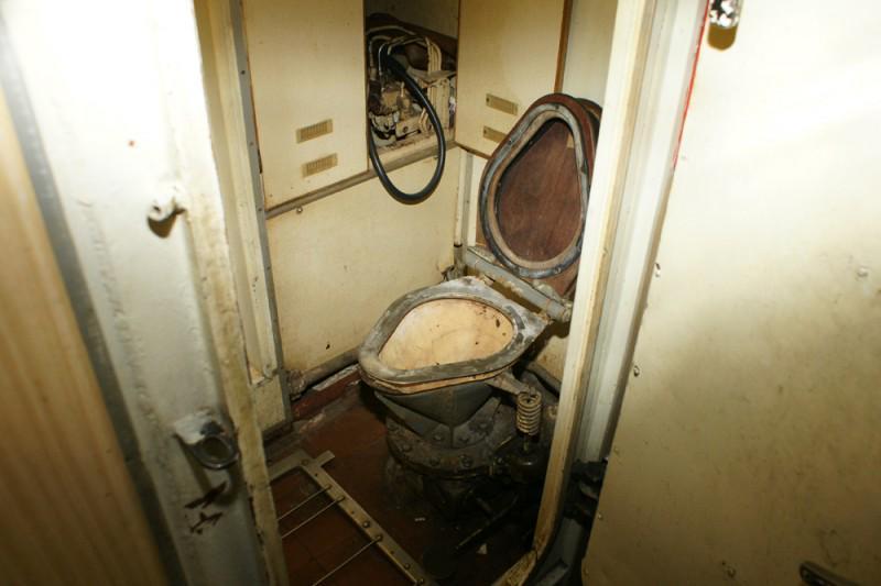 есть ли душ на подводной лодке
