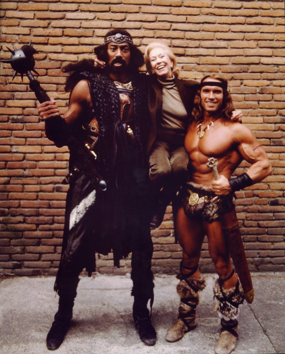 "todoarnold+cine on Twitter: ""#ConanTheDestroyer Behind the scenes. Wilt  Chamberlain, Anne Strick (unit publicist) and Arnold @Schwarzenegger.  http://t.co/yrtf7Ae9SX"""