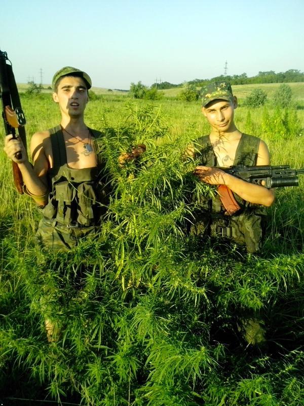 """На юге Макеевки зафиксированы 2 установки ЗРК """"Тор-М1"""", в Ясиноватой - 10 танков и около 250 боевиков, - ИС - Цензор.НЕТ 2269"""