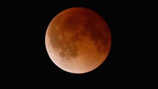 Get ready for Super Blood Moon Sunday: http://t.co/4UC5BbaAyl