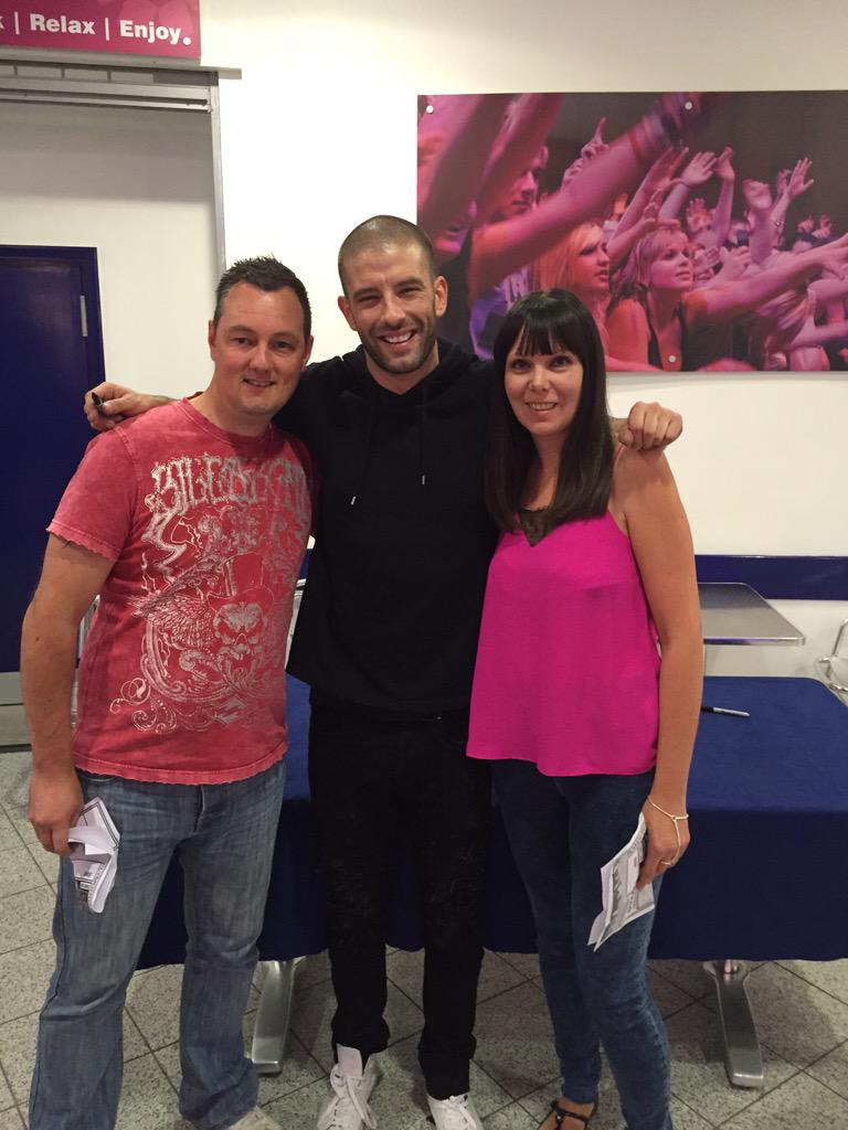 Karen & I have just met @DarcyOake at @PlymPavilions. Amazing show. Awesome talent. #seeingisbelieving http://t.co/19tmZmVN1f