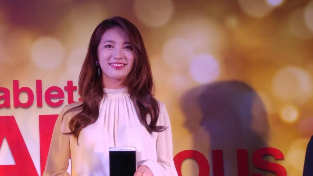 K-pop superstar Suzy Bae is the brand endorser for the Lenovo PHAB Plus! #goPHAB #phabulous #kpop #suzybae http://t.co/Ay53RJsFSr