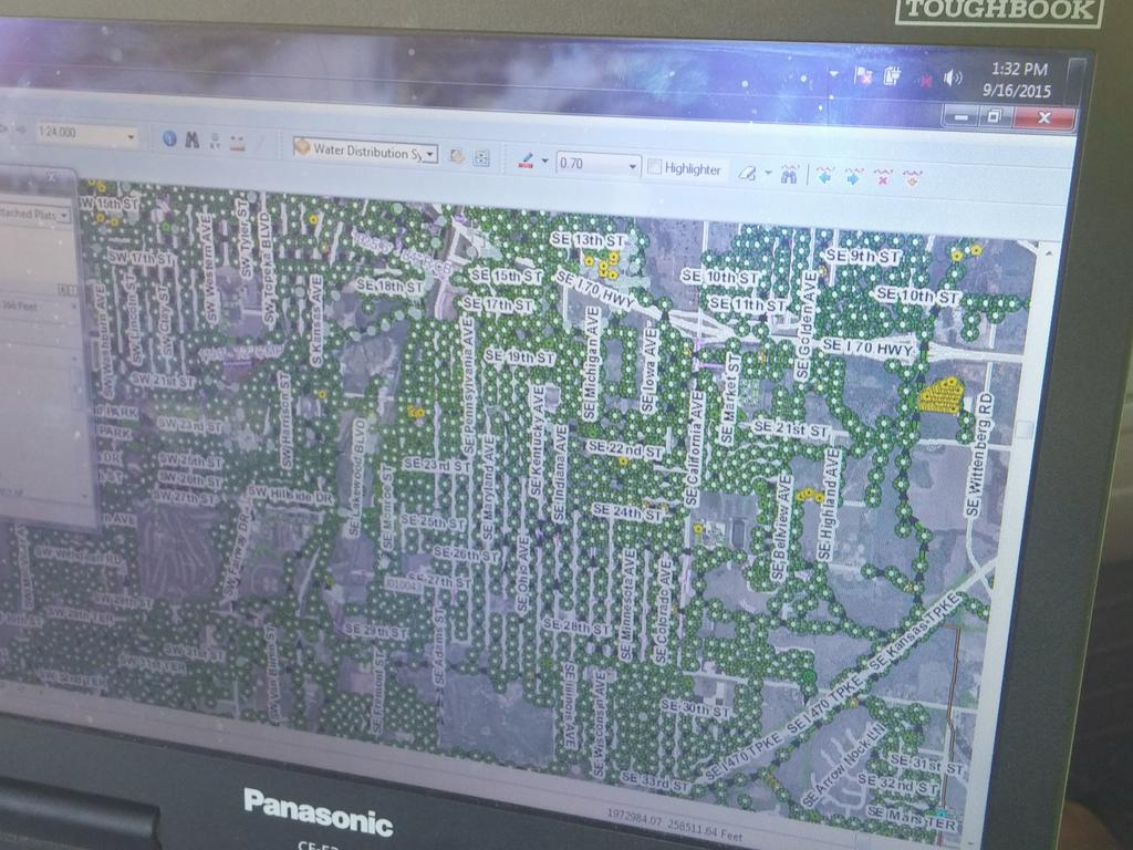 Here's more of an eagle eye view of our storm and waste water system. All the dots are manholes throughout #topeka http://t.co/WtteLCwfey