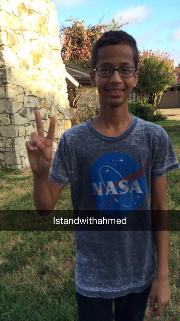 #IStandWithAhmed  https://t.co/okinypgCdt http://t.co/9Gv3YZhBlY