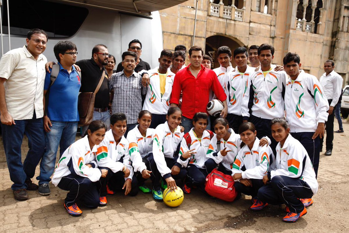 Wishing #teamindia all the best for the #Hwc2015 . Heard the girls r playing very well @slumsoccer