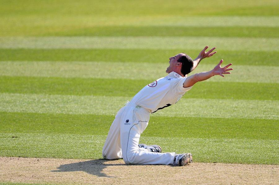Very sad to see @ViscountLinley forced to retire through injury. Great bloke, fantastic team man, iconic appeal! http://t.co/yuBPlznd2z