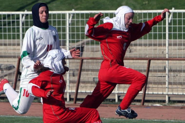 Really. Iranian Women's Soccer Captain Will Miss Asian Cup After Husband Takes Passport >>> http://t.co/J5P6fQmflf http://t.co/52SmE0xT0q