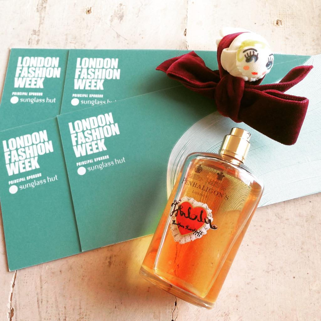 Penhaligon's invites you to London Fashion Week! Retweet to win tickets for Sunday shows. #VeryPenhaligons #LFW http://t.co/90ZY7i1TSZ