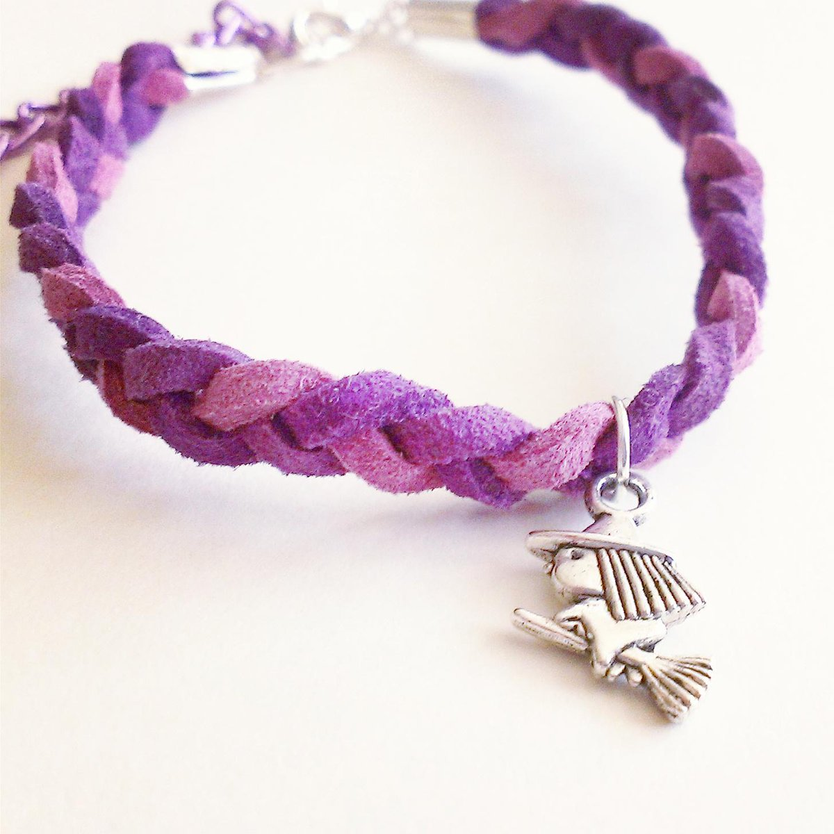 Embrace your inner Witch, Plaited Suede Bracelet with Flying Witch Charm #LadiesCoffeeHour #Halloween #Promotingwomen http://t.co/Pf7NrMCCsz