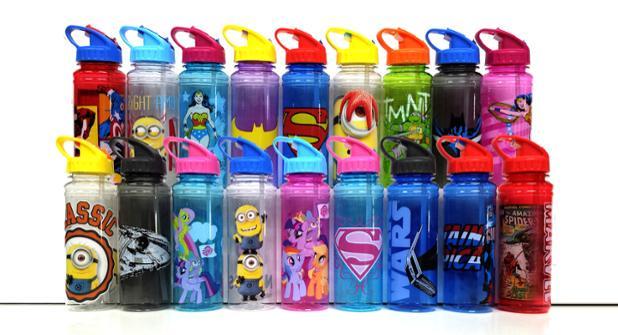 """178 mila bottiglie d'acqua per bambini ritirate per """"rischio di soffocamento"""""""