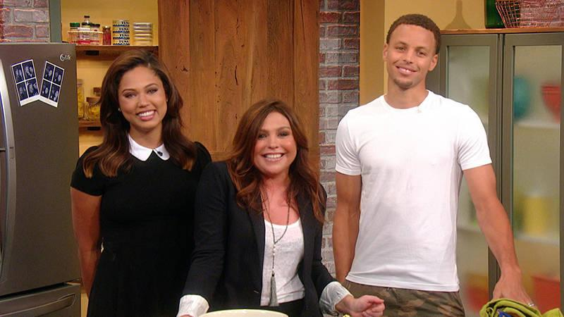 Sneak peek: @StephenCurry30 and his wife @AyeshaCurry stop by our kitchen! http://t.co/v7h3TY8xl4