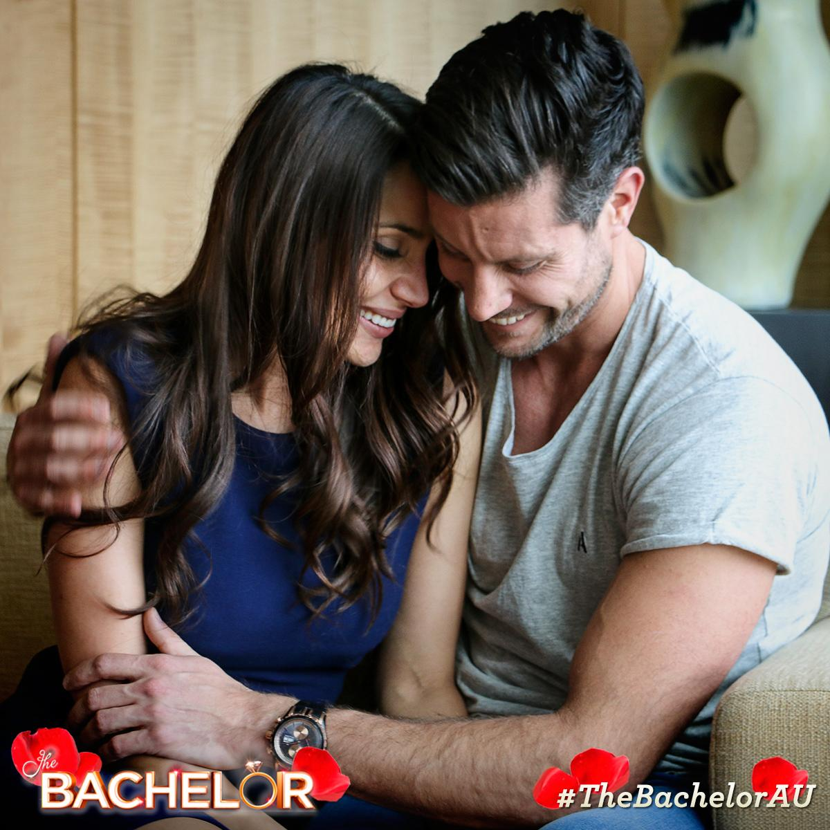 Sam Wood - Snezana Markoski - Bachelor Australia - Season 3 - Discussion - Page 3 CPKt1fwVAAEa8Bn