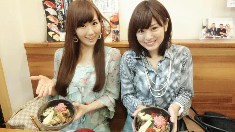 曽田麻衣子とおいしそうな海鮮丼