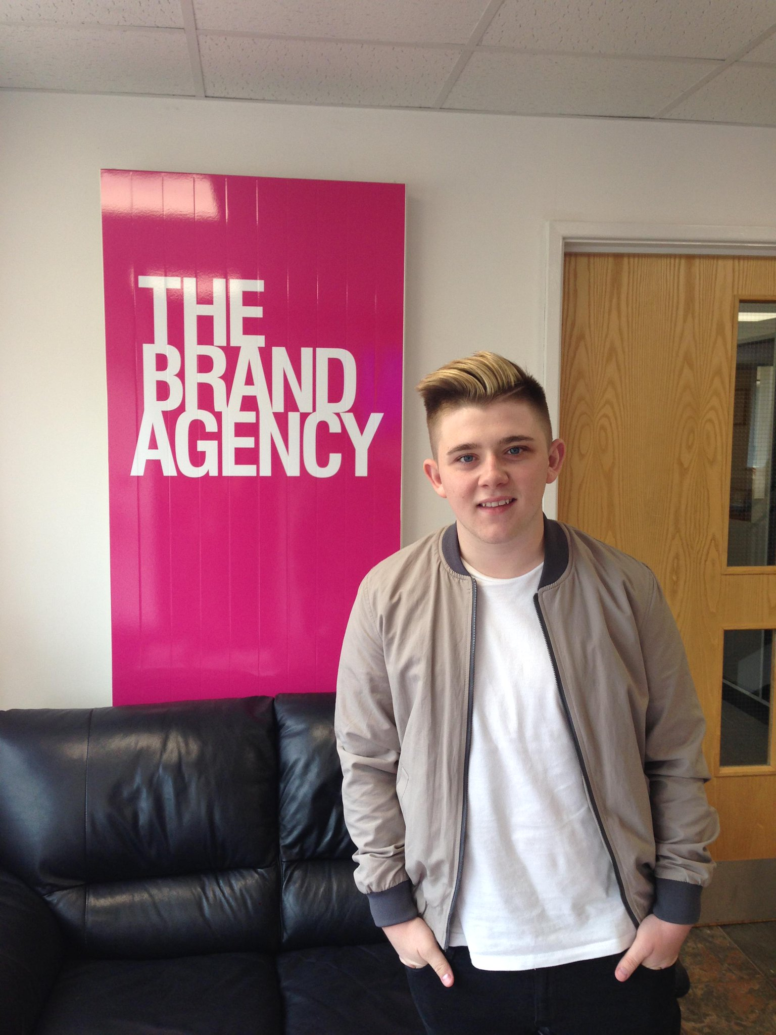 RT @ChampionsUKplc: Great to have @nickymcdonald1 pay a visit to Champions HQ this morning! We hope you have a great day! #celebguest http:…