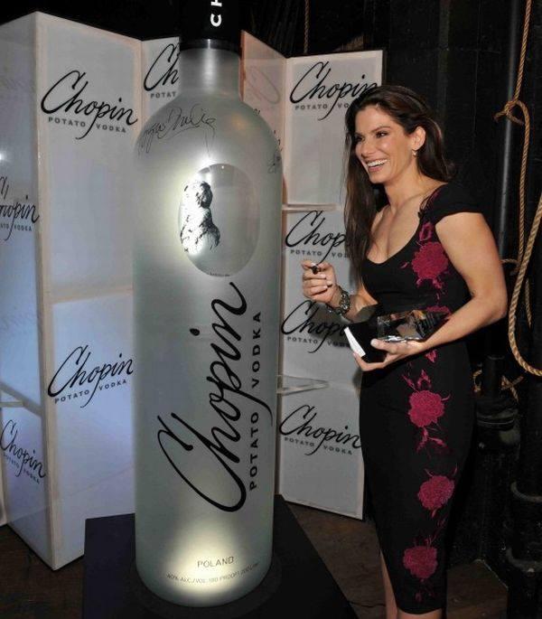 Картинки по запросу самая большая бутылка водки