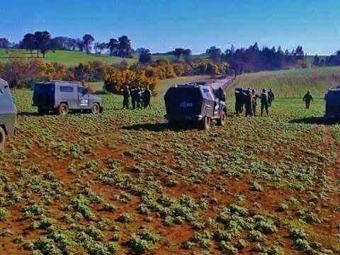 fiestas patrias en territorio Mapuche Mientras hay #TeDeum en coñomil Epuleo hay visitas no invitadas Rt http://t.co/XFF3SnpzUg