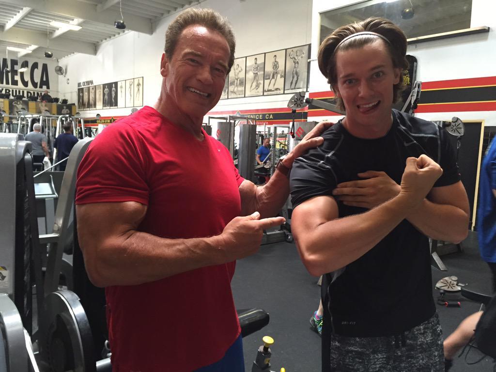 арнольд шварценеггер с сыном в спортзале фото кузьмина всегда