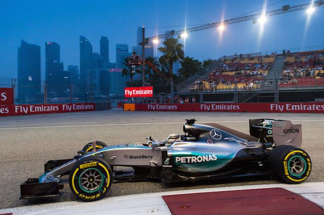 Diretta GP Singapore Streaming su Sky Formula 1 con Ferrari e Mercedes per la vittoria