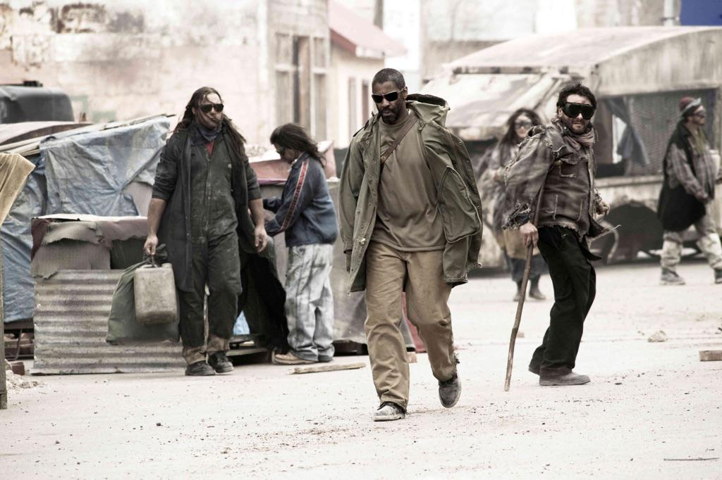 Kanye still tryna push his Book of Eli fashions on us? FOH with that post-apocalypse fresh shit. http://t.co/26eacR4HuX