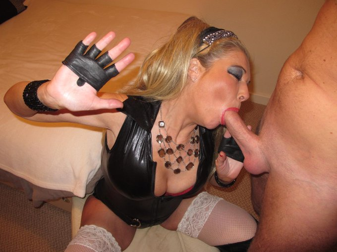 RT if you like fleshy mature women who dress like whores and suck dick for fun xxx http://t.co/Df4h3