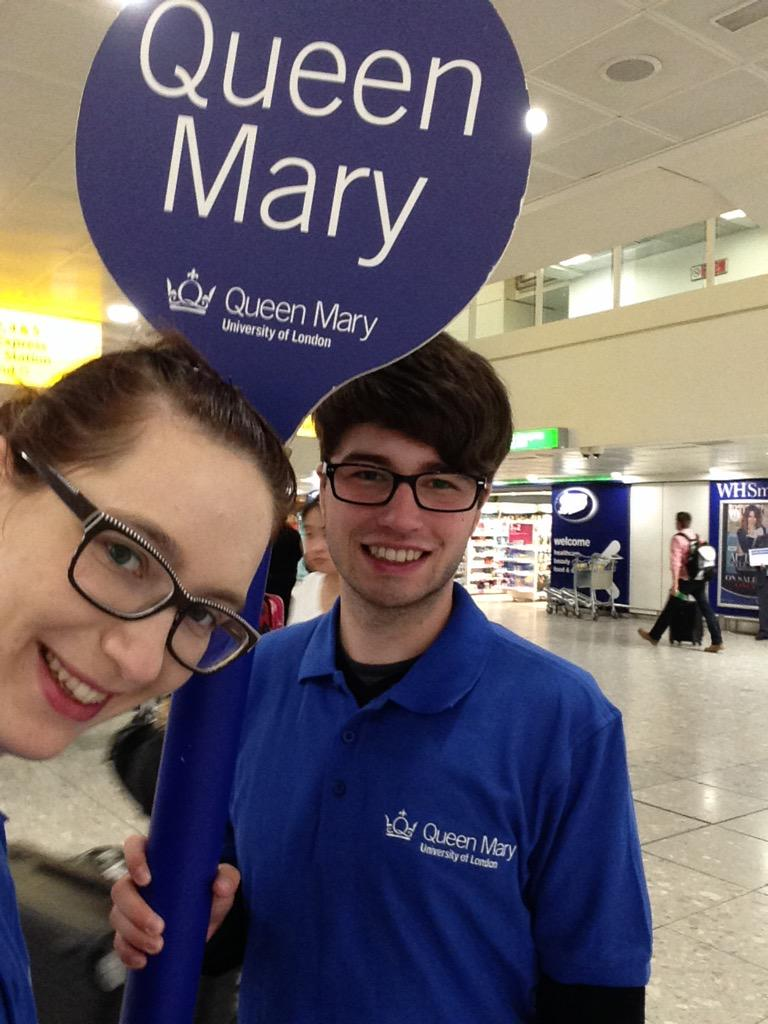 #QMULWelcome waiting for new students! @HeathrowAirport @qmul #excited #ambassadors #freshers @QMSU http://t.co/odW6cb6NMy
