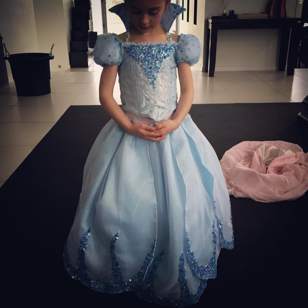 "Chloe(5yo)""I want to be Lily, her voice is my fave"", casting @KChenoweth ... (Mum t.... http://t.co/fWbg6meTbc http://t.co/vHKEOc4NUI"