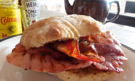 I do like to start #TheAviators missions with a nice cup of tea and a bacon sandwich - help yourself at the buffet http://t.co/UjarBULLUF
