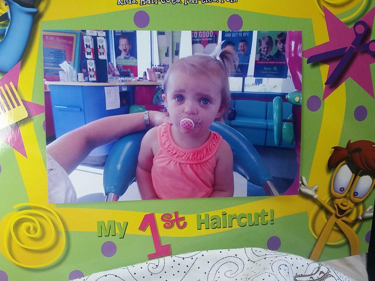 Ava had her first haircut today.. thank you @SnipitsSalons for a great 1st experience! http://t.co/3JNO8D1eK1