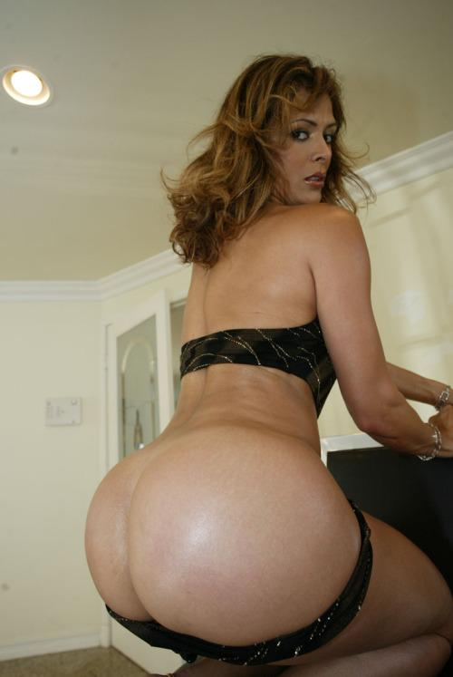 Love milf,mature!! followed