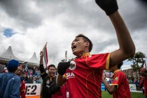 Team Indonesia take the 2015 Amsterdam Cup at the #HomelessWorldCup! Congratulations! @RumahCemara #ThisGameIsReal http://t.co/imy9BbBfFV