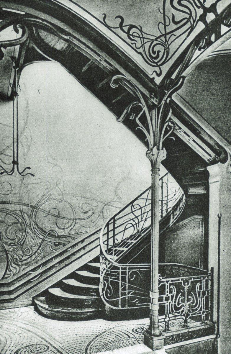 #VictorHORTA Stairwell of interior #TasselHouse 1892-93 #Brussels @sculptarch<br>http://pic.twitter.com/ssuTi5RIDa
