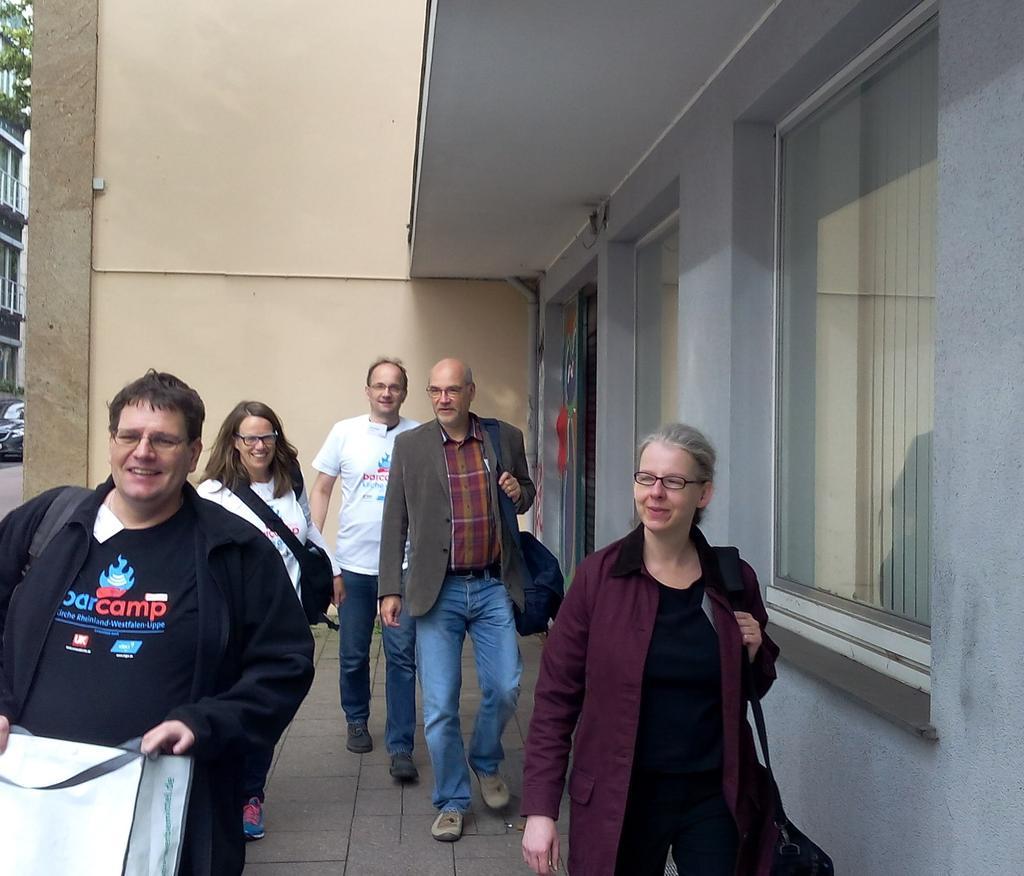 Die #twigo Gruppe ist unterwegs, euch anderen eine gute letzte Session #bckirche http://t.co/5SLlUSoL1a