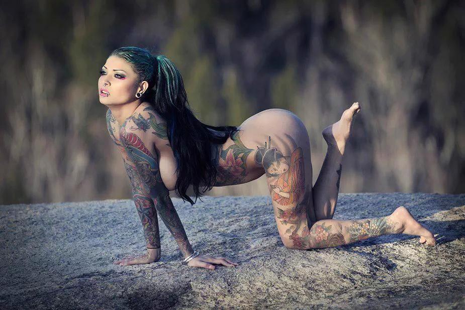 Tattoo girls naked