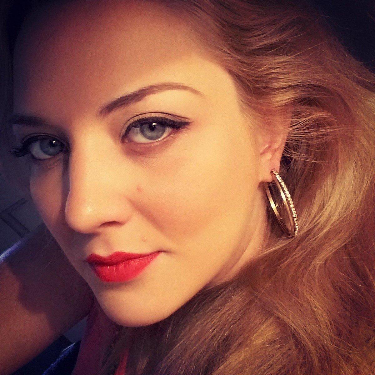 Mariângela Zan ~ Mariangela Zan (@mariangelazan) Twitter