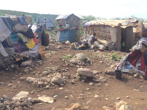 Thousands sleeping under sheets/cardboard at the #Haiti #DR border, new report: http://t.co/tCpn1sCsR3 #humanrights http://t.co/hDIzpa8NfM