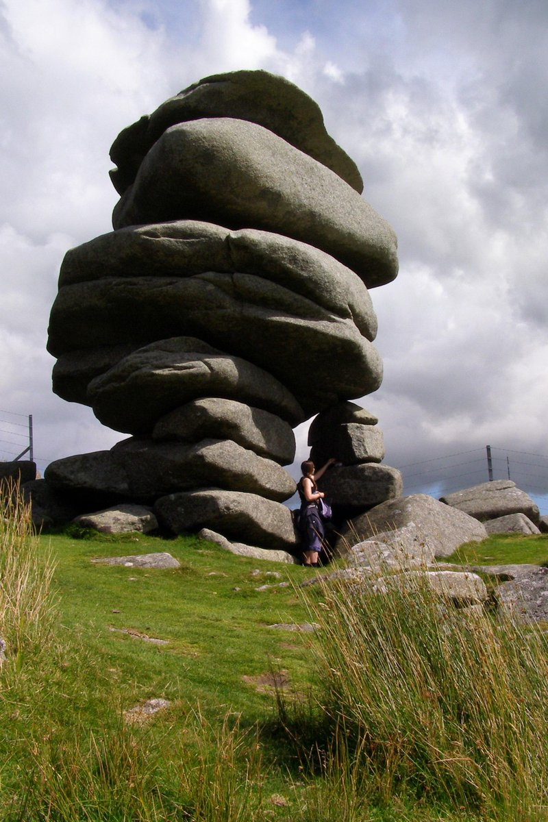 Flying south over Bodmin look out for the Cheesewring Neolithic stones... #TheAviators http://t.co/5vzAoPgMGG