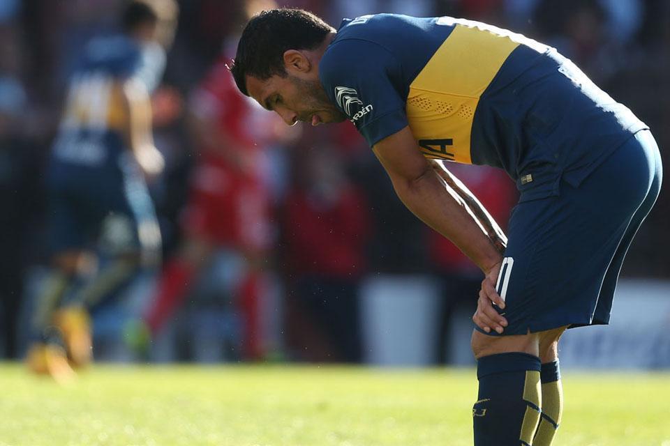 Brutto fallo di Tevez (ex Juventus) a Ezequiel Ham in Argentinos vs Boca 1-2.