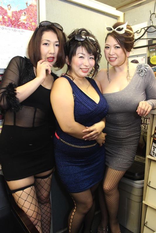 大阪loftplusonewest hashtag on...