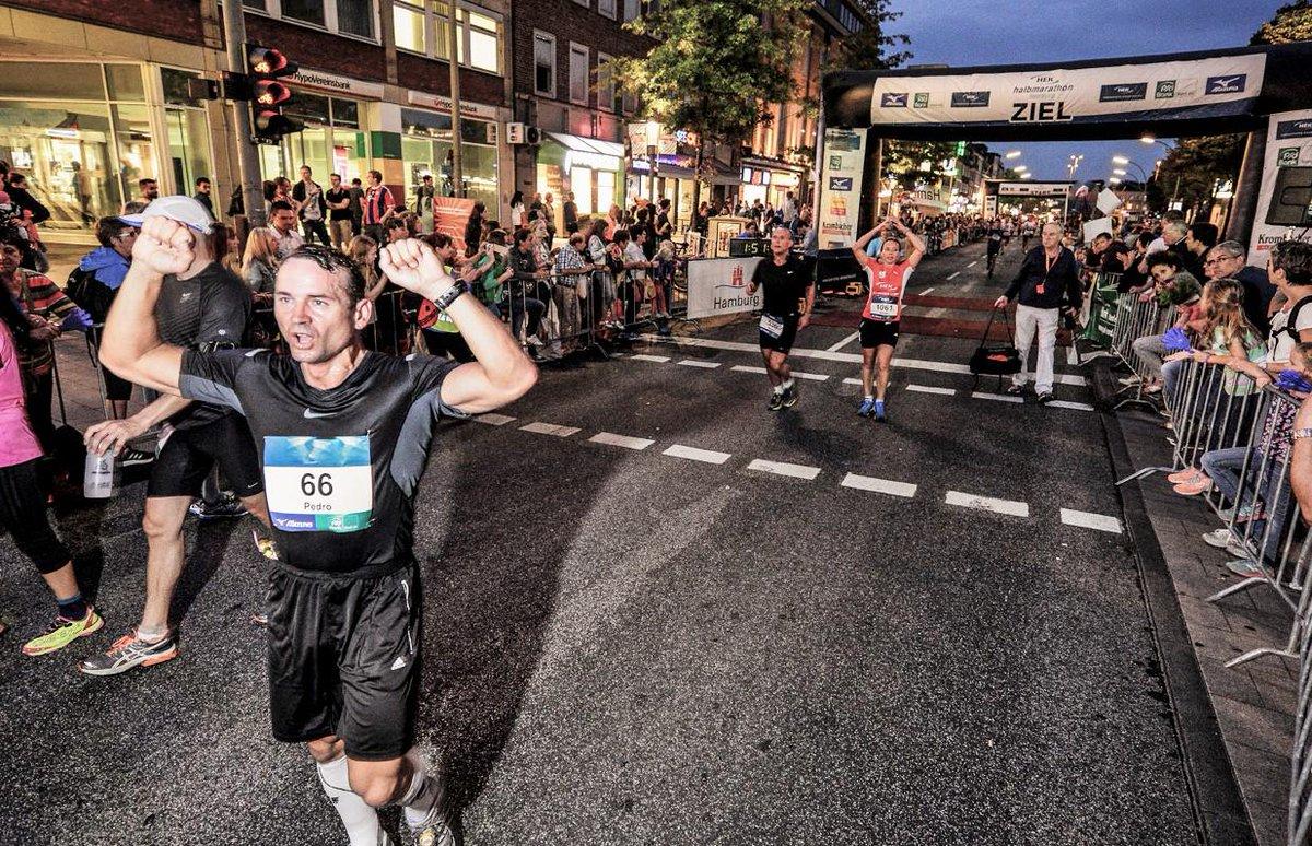 Viel Erfolg allen TeilnehmerInnen des abendlichen #PSDBankHalbmarathons #Hamburg! #RunHamburg  http://www. halb-marathon.hamburg / &nbsp;  <br>http://pic.twitter.com/hYHm9cX0ar