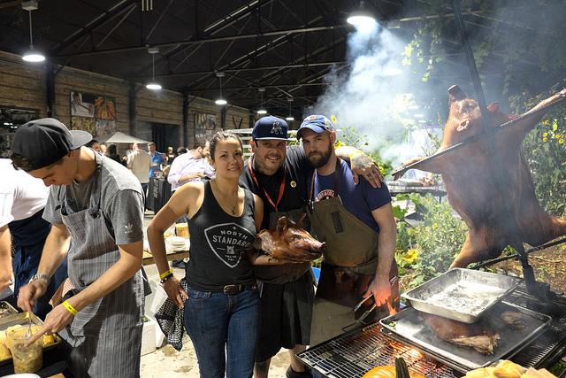 [Gallery] Scenes from Fri's @COCHON555 @heritagebbq #TFW15 https://t.co/JjJ3MABrQ8 Gluttony, shenanigans + 1400lbs