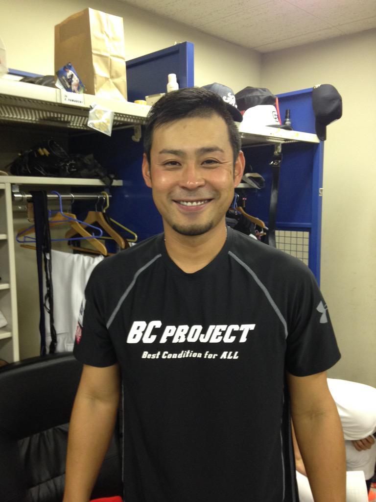 朝倉選手コメント 『ブルペンからグランドまでにファームにいる投手、中継ぎ投手、先発投手すべての人が頑張って下さいと声をかけて送り出してくれて、涙が止まりませんでした。16年間たくさんのご声援ありがとうございました。』 http://t.co/IB1YZCKccC