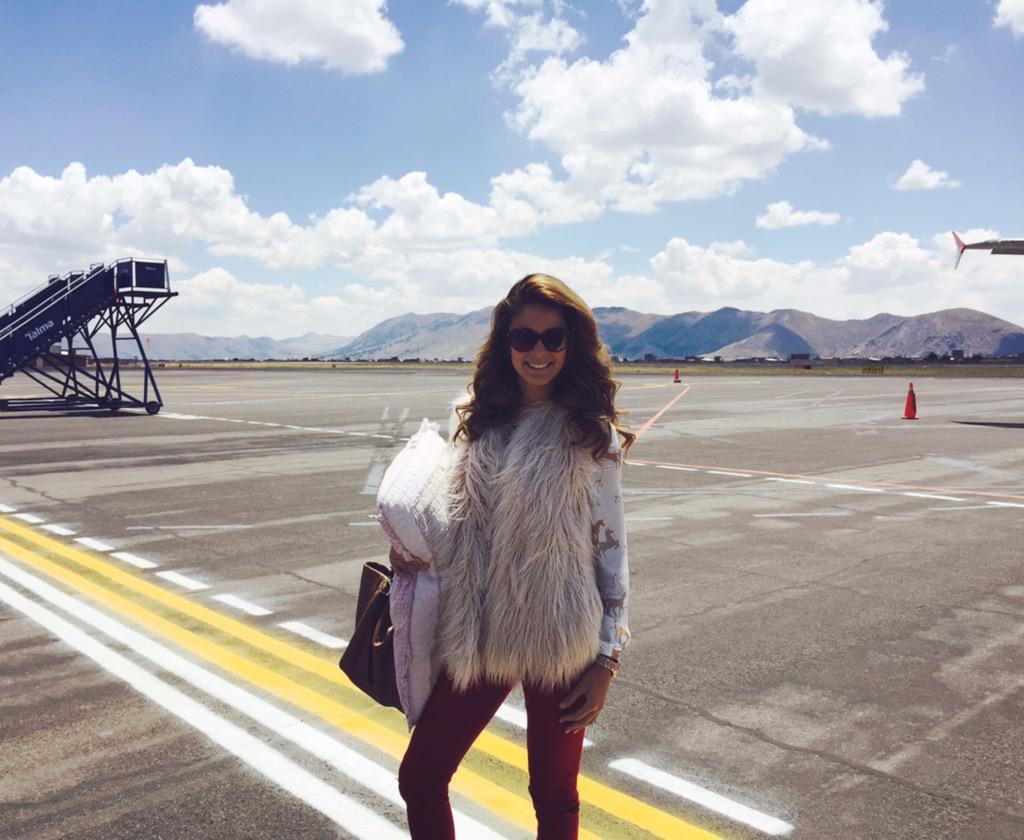 LAURA SPOYA para la elección de miss Juliaca 2015 CPXYmfQWIAAV-SD