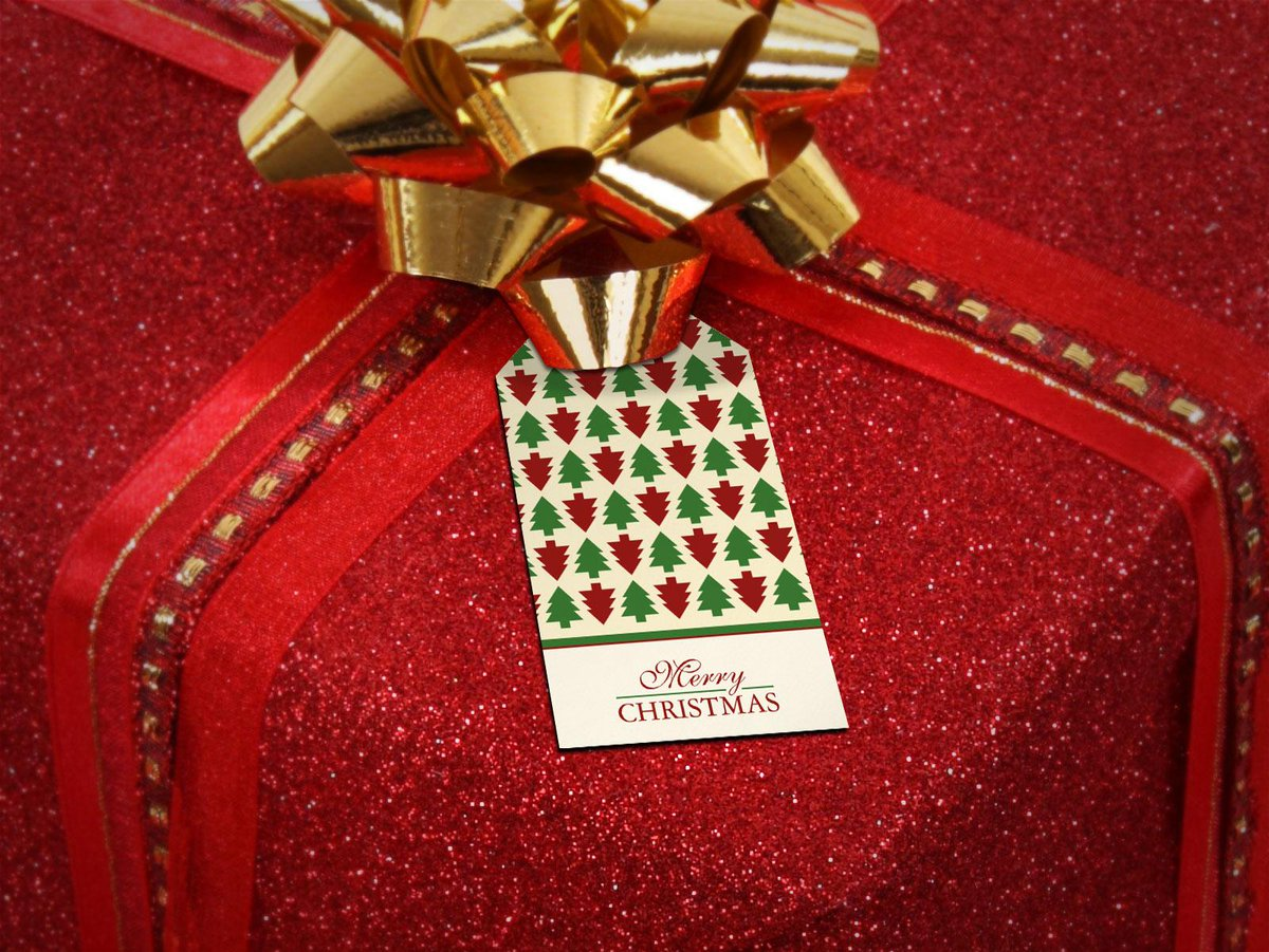 Use beautiful #Christmas gift tags to accessorize ur Christmas presents   #gifts #Holidays