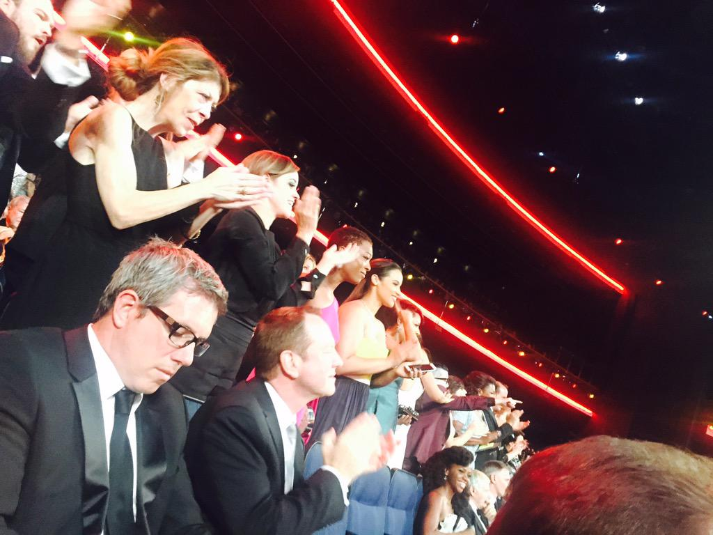 Uzo Aduba gets a standing O from her OITNB cast mates #Emmys http://t.co/DbEXTcWE4O
